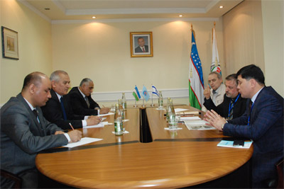 UzLiDeP officials hold a meeting with international observers from Israel